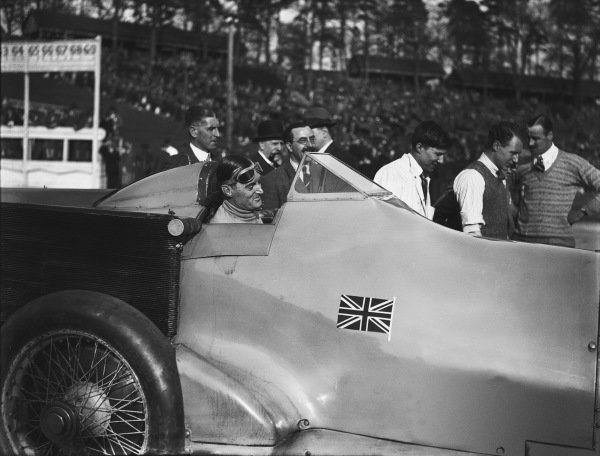 Brooklands, England. April 1928.Malcolm Campbell in Bluebird at Brooklands, portrait. Ref: Autocar Glass Plate A9446.World Copyright: LAT Photographic.