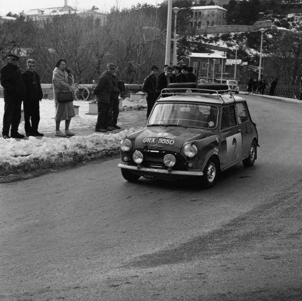 Monte Carlo, Monaco. 14th - 22nd January 1966. Timo Makinen/Paul Easter, Mini-Cooper S, 1st position overall, but was later disqualified for illegal lights, action.  World Copyright: LAT Photographic. Ref: 31979