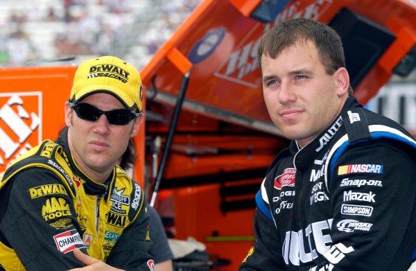 2003 NASCAR-Sharpie 500. Bristol Tenn USA,Aug 22-23,Matt Kenseth and Ryan Newman,World Copyright -RobertLeSieur ,July,2003LAT Photographic-ref: digital image
