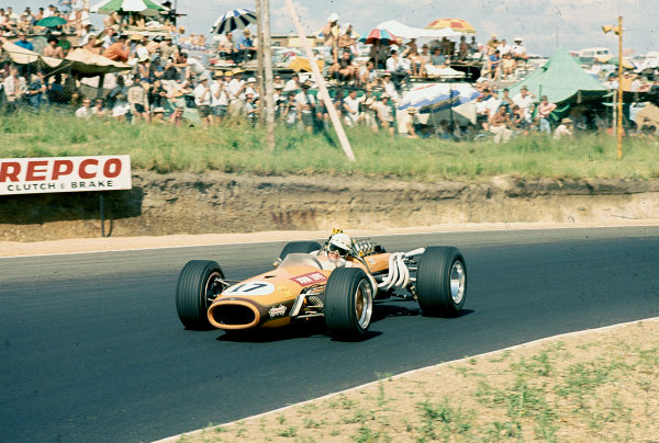 1968 South African Grand Prix.Kyalami, South Africa.30/12/67-1/1/1968.John Love (Brabham BT20 Repco) 9th position. Ref-68 SA 08.World Copyright - LAT Photographic