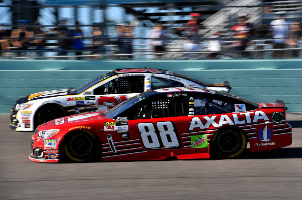 Monster Energy NASCAR Cup Series Ford EcoBoost 400 Homestead-Miami Speedway, Homestead, FL USA Sunday 19 November 2017 Dale Earnhardt Jr, Hendrick Motorsports, Axalta Chevrolet SS and Ryan Newman, Richard Childress Racing, Caterpillar Chevrolet SS World Copyright: Rusty Jarrett LAT Images