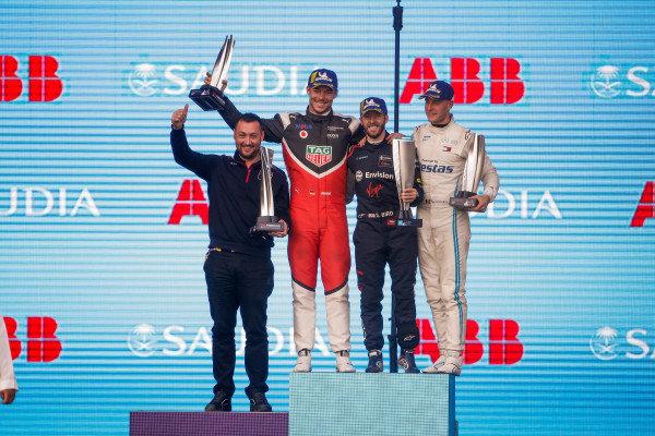 Sam Bird (GBR), Envision Virgin Racing, 1st position, Andre Lotterer (DEU), Tag Heuer Porsche, 2nd position, and Stoffel Vandoorne (BEL), Mercedes Benz EQ Formula, 3rd position