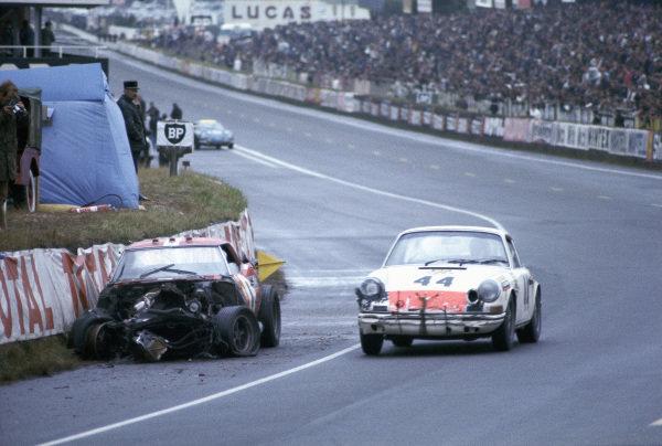 Claude Ballot-Léna / Guy Chasseuil, Auguste Veuillet, Porsche 911 T.