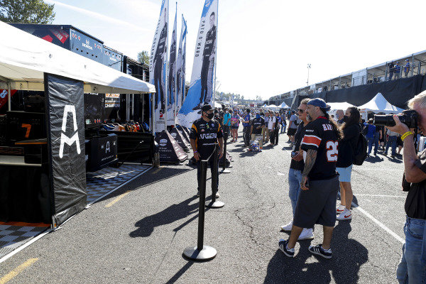 #5: Pato O'Ward, Arrow McLaren SP Chevrolet fans