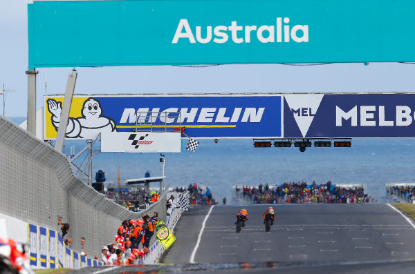 2017 MotoGP Championship - Round 16 Phillip Island, Australia. Sunday 22 October 2017 Pol Espargaro, Red Bull KTM Factory Racing, Bradley Smith, Red Bull KTM Factory Racing World Copyright: Gold and Goose / LAT Images ref: Digital Image 24469