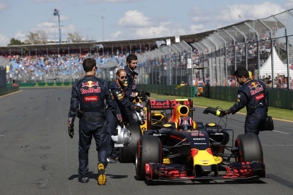 Daniil Kvyat (RUS) Red Bull Racing RB12 on the grid at Formula One World Championship, Rd1, Australian Grand Prix, Race, Albert Park, Melbourne, Australia, Sunday 20 March 2016.