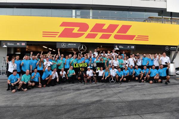 Lewis Hamilton, Mercedes AMG F1 and Valtteri Bottas, Mercedes AMG F1 celebrate with the team