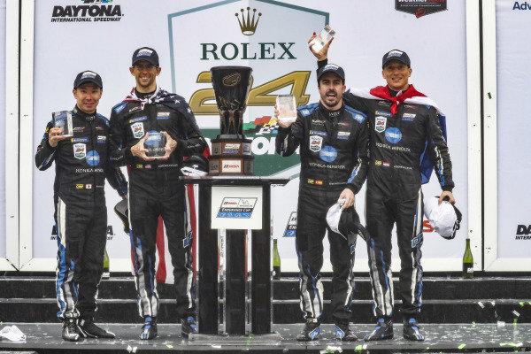 #10 Konica Minolta Cadillac DPi-V.R. Cadillac DPi, DPi: Renger Van Der Zande, Jordan Taylor, Fernando Alonso, Kamui Kobayashi, podium