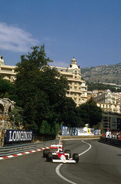 Monte Carlo, Monaco.4-7 May 1989.Alain Prost (McLaren MP4/5 Honda) 2nd position at Loews Hairpin.Ref-89 MON 04.World Copyright - LAT Photographic