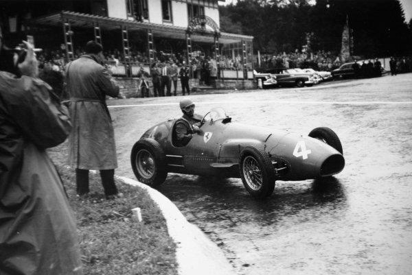 1952 Belgian Grand Prix.Spa-Francorchamps, Belgium. 22 June 1952.Alberto Ascari (Ferrari 500), 1st position. Ref-52/24 #36A.World Copyright - LAT Photographic