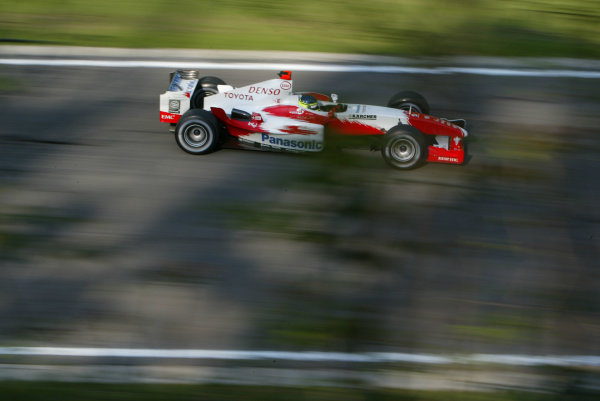 2004 San Marino Grand Prix-Saturday Qualifying,Imola, Italy.24th April 2004Cristiano Da Matta, Toyota Racing, action.World Copyright LAT Photographic.ref: Digital Image Only