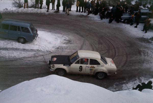 Monte Carlo, Monaco. 16th - 24th January 1970.Roger Clark/Jim Porter (Ford Escort TC), 5th position, action. World Copyright: LAT Photographic.Ref:  70MCRALLY10.