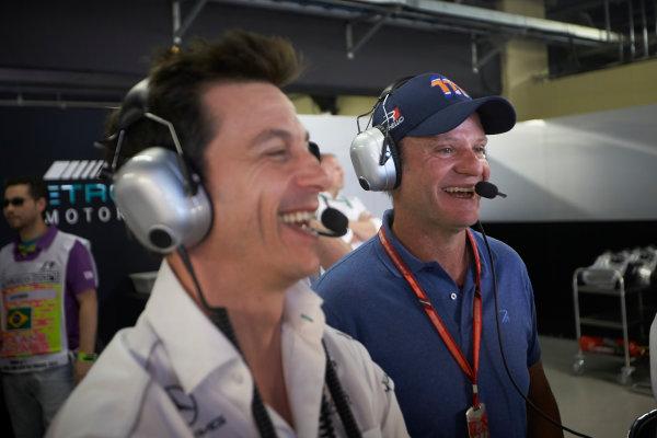 Interlagos, Sao Paulo, Brazil. Sunday 12 November 2017. Toto Wolff, Executive Director (Business), Mercedes AMG, with Rubens Barrichello. World Copyright: Steve Etherington/LAT Images  ref: Digital Image SNE18134