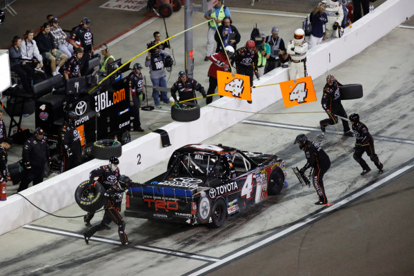 NASCAR Camping World Truck Series  Lucas Oil 150 Phoenix Raceway, Avondale, AZ USA Saturday 11 November 2017 Christopher Bell, JBL Toyota Tundra, pit stop World Copyright: Michael L. Levitt LAT Images