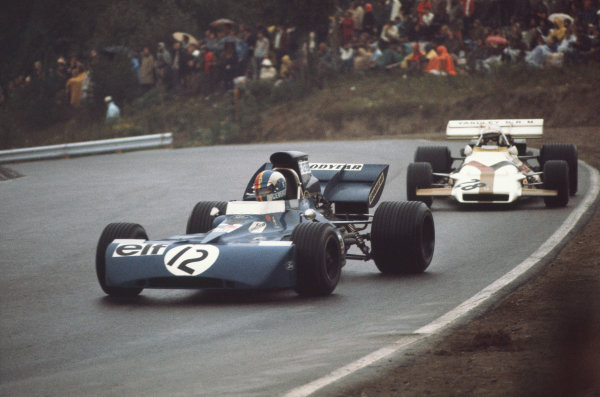 1971 Canadian Grand Prix.  Mosport, Canada. 17-19th September 1971.  François Cevert, Tyrrell 002 Ford, 6th position, leads George Eaton, BRM P160, 15th position.  Ref: 71CAN15. World Copyright: LAT Photographic