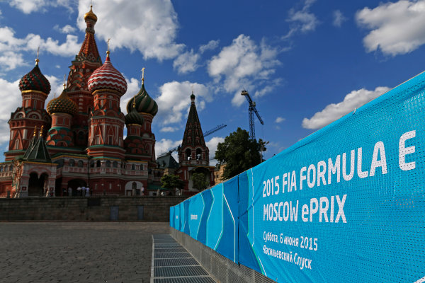 2014/2015 FIA Formula E Championship.  Formula E sign in front of Saint Basil's Cathedral, Red Square Moscow e-Prix, Moscow, Russia. Thursday 4 June 2015.  Photo: Sam Bloxham/LAT/Formula E ref: Digital Image _SBL4097
