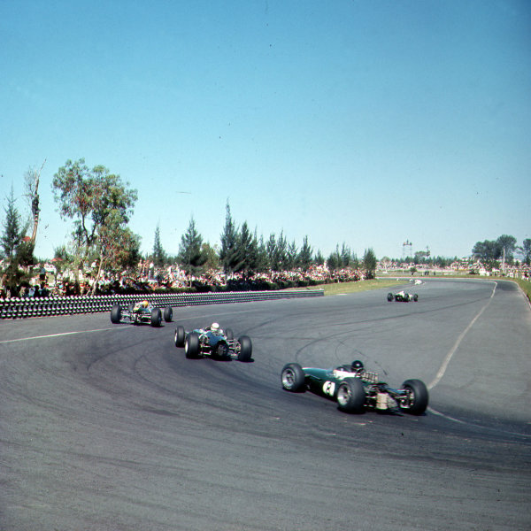 Mexico City, Mexico.22-24 October 1965.The field in the hairpin.Ref-3/1868.World Copyright - LAT Photographic