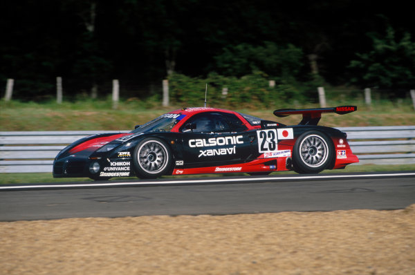 1997 Le Mans 24 Hours. Le Mans, France. 14th - 15th June 1997. Kazuyoshi Hoshino/Erik Comas/Masahiko Kageyama (Nissan R390), 12th position overall, 5th in class, action. World Copyright: LAT Photographic.