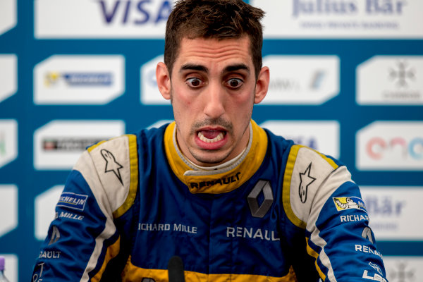 2015/2016 FIA Formula E Championship. London ePrix, Battersea Park, London, United Kingdom. Sunday 3 July 2016. Sebastien Buemi (SUI), Renault e.Dams Z.E.15  Photo: Zak Mauger/LAT/Formula E ref: Digital Image _79P3213