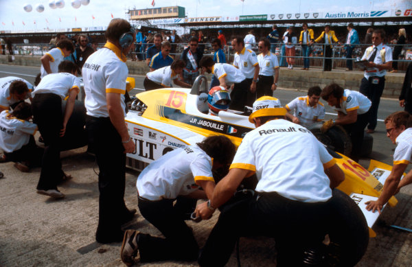 1979 British Grand Prix.Silverstone, England.12-14 July 1979.Jean-Pierre Jabouille (Renault RS10) takes a pitstop. He exited the race with an engine failure.Ref-79 GB 13.World Copyright - LAT Photographic