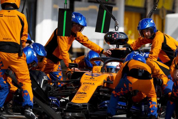 Carlos Sainz Jr., McLaren MCL34, in the pits