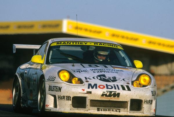 Le Mans, France. 12th - 13th June 1999.Uwe Alzen/Patrick Huisman/Luca Riccitelli (Porsche 996 GT3), 13th position, action. World Copyright: LAT Photographic.Ref:  99LM20.