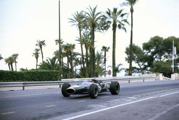 Denny Hulme, Brabham-Repco BT20.