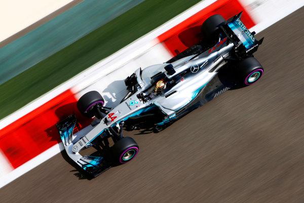 Yas Marina Circuit, Abu Dhabi, United Arab Emirates. Friday 24 November 2017. Lewis Hamilton, Mercedes F1 W08 EQ Power+. World Copyright: Andy Hone/LAT Images  ref: Digital Image _ONZ8708