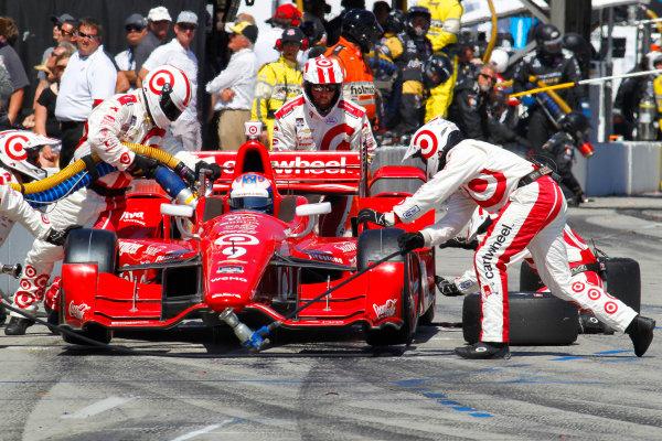 17-19 April, 2015, Long Beach, California USA Scott Dixon pit stop ?2015, Ernie Masche LAT Photo USA