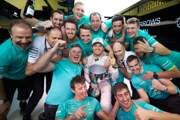 Interlagos, Sao Paulo, Brazil. Sunday 15 November 2015. Nico Rosberg, Mercedes AMG, 1st Position, and the Mercedes team celebrate victory. World Copyright: Steve Etherington/LAT Photographic ref: Digital Image SNE13185