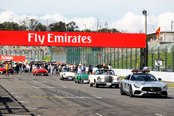 Suzuka Circuit, Japan. Sunday 08 October 2017. The Safety Car leads the drivers parade. World Copyright: Steven Tee/LAT Images  ref: Digital Image _O3I9386