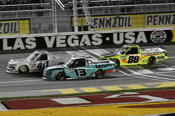 #13: Johnny Sauter, ThorSport Racing, Ford F-150 Tenda, #40: Ross Chastain, Niece Motorsports, Chevrolet Silverado Niece, #88: Matt Crafton, ThorSport Racing, Ford F-150 Damp Rid / Menards