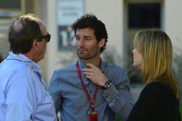 Mark Webber (AUS) with Nando Parrado (URU) at Formula One World Championship, Rd2, Bahrain Grand Prix Race, Bahrain International Circuit, Sakhir, Bahrain, Sunday 3 April 2016.