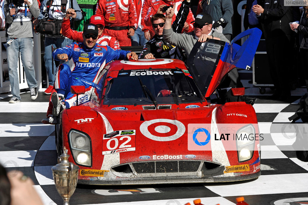 22-25 January, 2015, Daytona Beach, Florida USA Riding into Victory Lane. 02, Ford EcoBoost, Riley DP, P, Scott Dixon, Tony Kanaan, Kyle Larson, Jamie McMurray ?2015, F. Peirce Williams LAT Photo USA