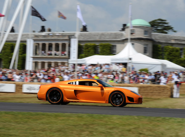Goodwood Estate, Chichester England 11th -3 Supercars World Copyright: Jeff Bloxham/LAT Photographic ref: Digital Image DSC_9073