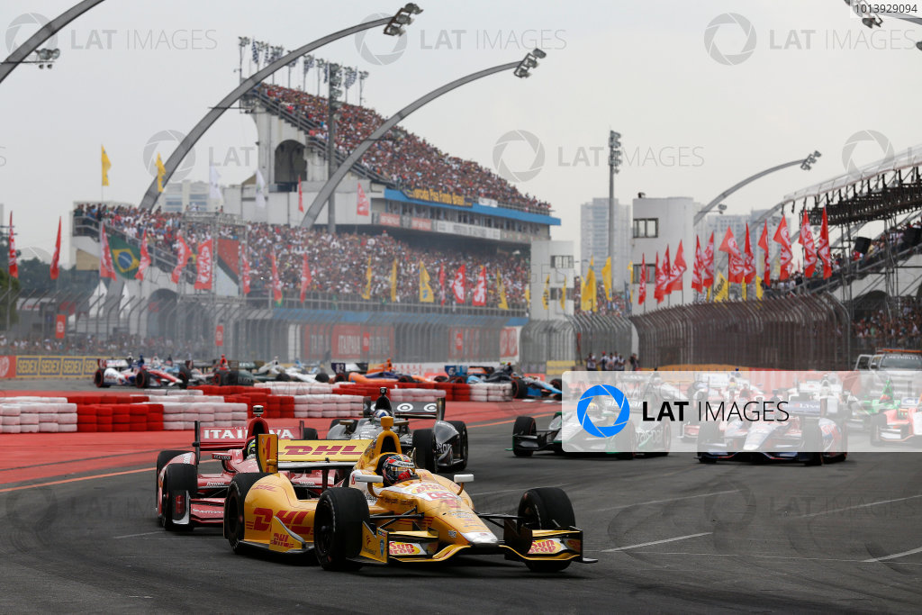 4-5 May, 2013, Sao Paulo, Brazil Ryan Hunter-Reay leads a restart © 2013, Michael L. Levitt LAT Photo USA