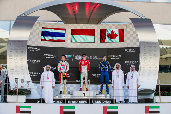 2017 FIA Formula 2 Round 11. Yas Marina Circuit, Abu Dhabi, United Arab Emirates. Sunday 26 November 2017. Alexander Albon (THA, ART Grand Prix), Charles Leclerc (MCO, PREMA Racing), Nicholas Latifi (CAN, DAMS).  Photo: Zak Mauger/FIA Formula 2. ref: Digital Image _56I2512