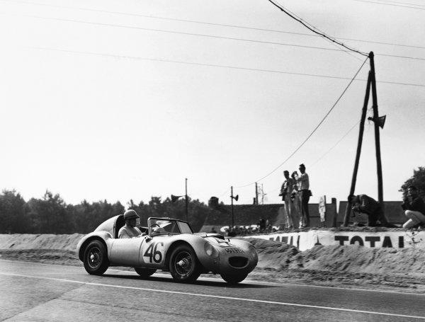 Le Mans, France. 25th - 26th June 1960.John Dalton/John Colgate (Austin-Healey Sprite), 16th position, action. World Copyright: LAT Photographic.Ref:  Autocar Glass Plate C59014.
