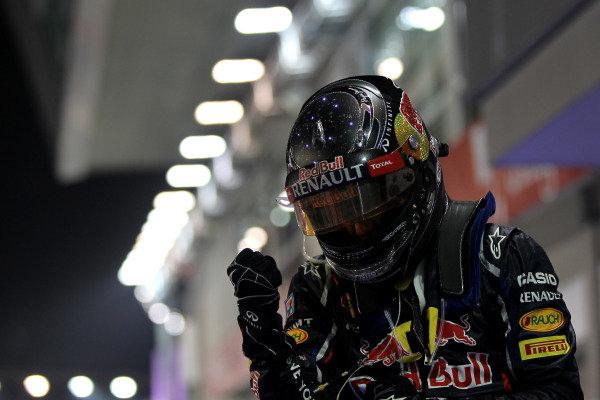 Marina Bay Circuit, Singapore23rd September 2012Sebastian Vettel, Red Bull Racing, 1st position, celebrates in Parc Ferme.World Copyright: Andy Hone/LAT Photographicref: Digital Image HONY9429