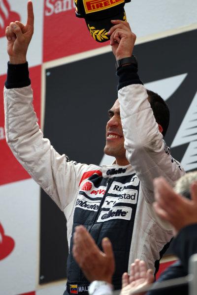 Circuit de Catalunya, Barcelona, Spain13th May 2012Pastor Maldonado, Williams F1 Team, 1st position, celebrates on the podium.World Copyright: Andy Hone/LAT Photographicref: Digital Image HONY9219
