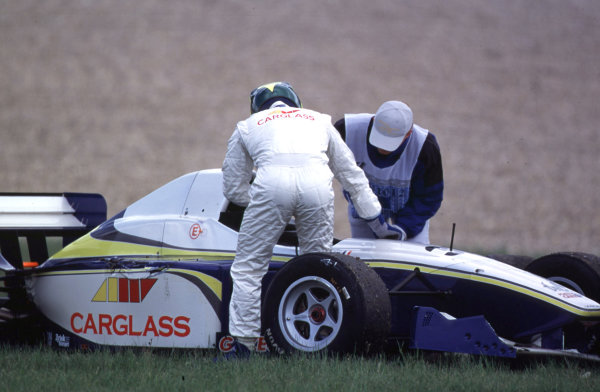 International Formula 3000 Championship Nurburgring, Germany. 19th - 20th May 2000 Another casualty of the race walks away from his car World - Bellanca/LAT Photographic