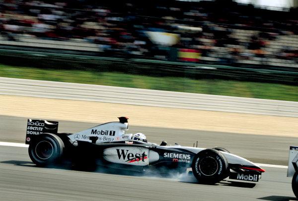 2003 European Grand PrixNurburgring, Germany. 27th - 29th June 2003.David Coulthard, Team McLaren Mercedes MP4-17D, locks up under braking.World Copyright: Charles Coates / LAT Photographic ref: 35mm Image 03Europe10