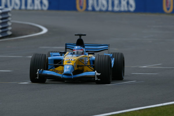 2003 British Grand Prix - Sunday race, Silverstone, England.20th July.Fernando Alonso, Renault R23, action.World Copyright LAT Photographic.Digital Image Only.