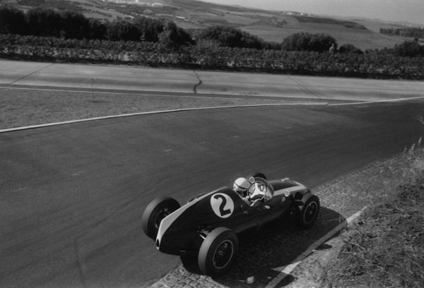 Monsanto, Portugal. 23 August 1959.Masten Gregory, Cooper T51-Climax, 2nd position, action.World Copyright: LAT PhotographicRef: Autosport b&w print. Published: Autosport, 28/8/1959 p271