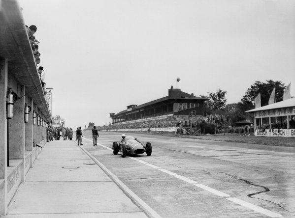Nurburgring, Germany.30/7-1/8 1954.Sergio Mantovani (Maserati 250F) leaves the pits. He finished in 5th position.Ref-Motor 766/10.World Copyright - LAT Photographic
