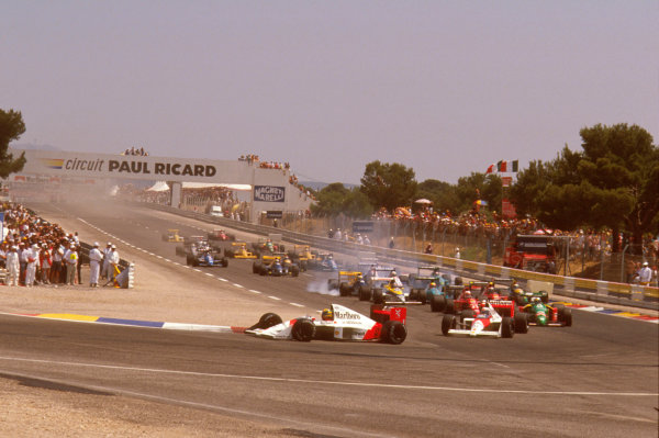 Paul Ricard, Le Castellet, France.7-9 July 1989.Mauricio Gugelmin (March CG891 Judd) has a huge crash on the start of the race at Epingle Ecole.Ref-89 FRA 04.World Copyright - LAT Photographic