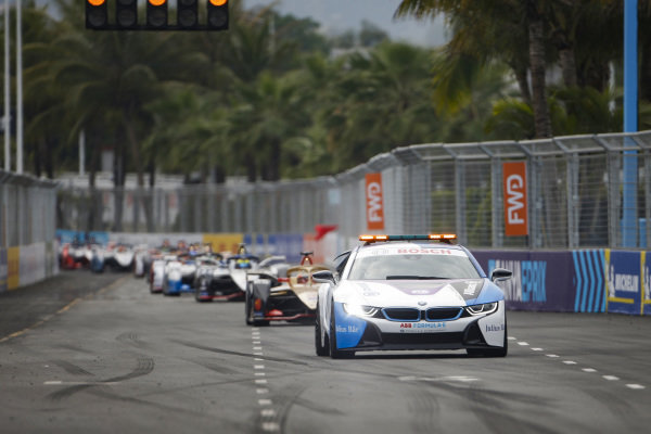 BMW i8 Safety car leads Jean-Eric Vergne (FRA), DS TECHEETAH, DS E-Tense FE19 and Oliver Rowland (GBR), Nissan e.Dams, Nissan IMO1