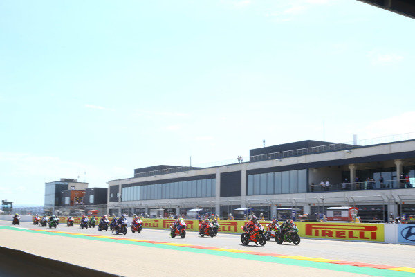 Race start.