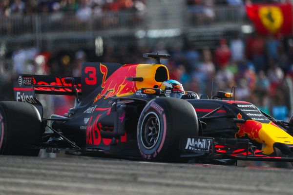Daniel Ricciardo (AUS) Red Bull Racing RB13 at Formula One World Championship, Rd17, United States Grand Prix, Qualifying, Circuit of the Americas, Austin, Texas, USA, Saturday 21 October 2017.