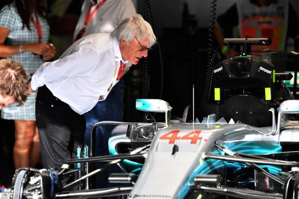 Bernie Ecclestone (GBR) looks at the Mercedes-Benz F1 W08 Hybrid in the garage at Formula One World Championship, Rd3, Bahrain Grand Prix Race, Bahrain International Circuit, Sakhir, Bahrain, Sunday 16 April 2017. BEST IMAGE